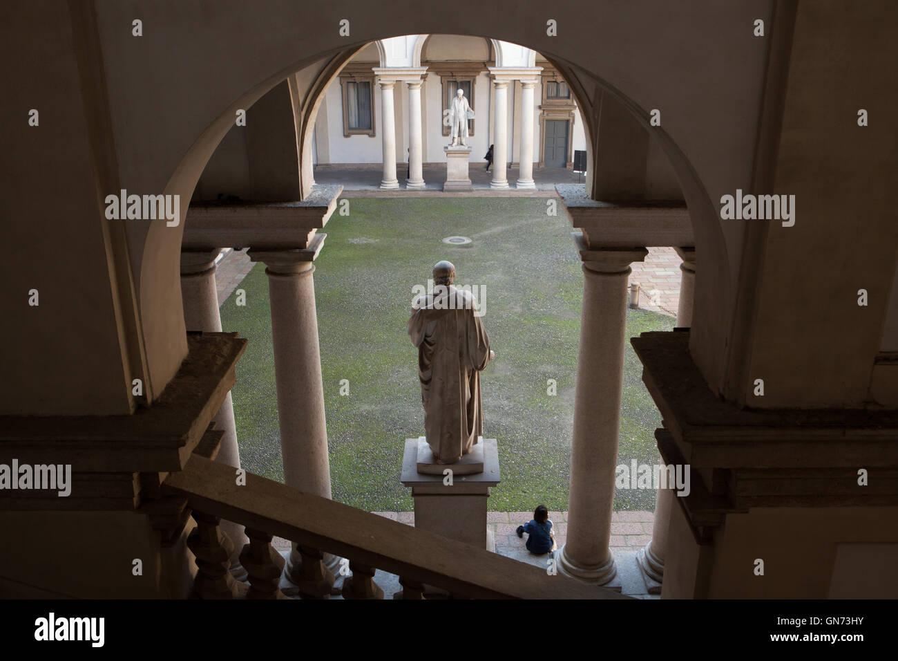 Statue nel cortile del Palazzo di Brera a Milano, lombardia, italia. Immagini Stock