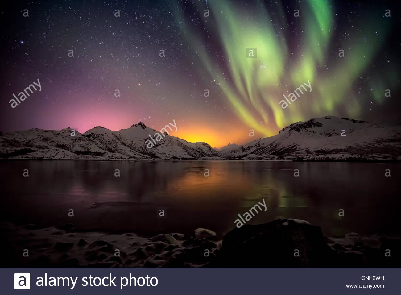 Aurora boreale, arcipelago delle Lofoten, Nordland, Norvegia Immagini Stock