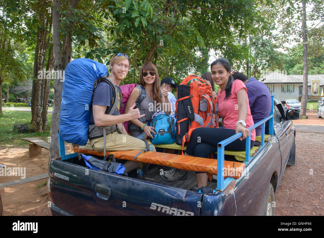 Camper en route a Sai Thong National Park, Chaiyaphum, Thailandia Immagini Stock