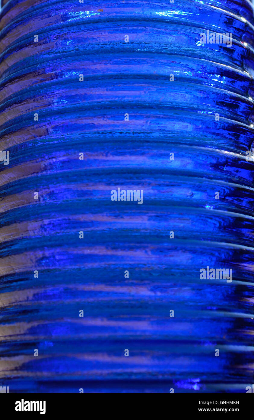 A strisce blu scuro vetro per gli sfondi. Immagini Stock