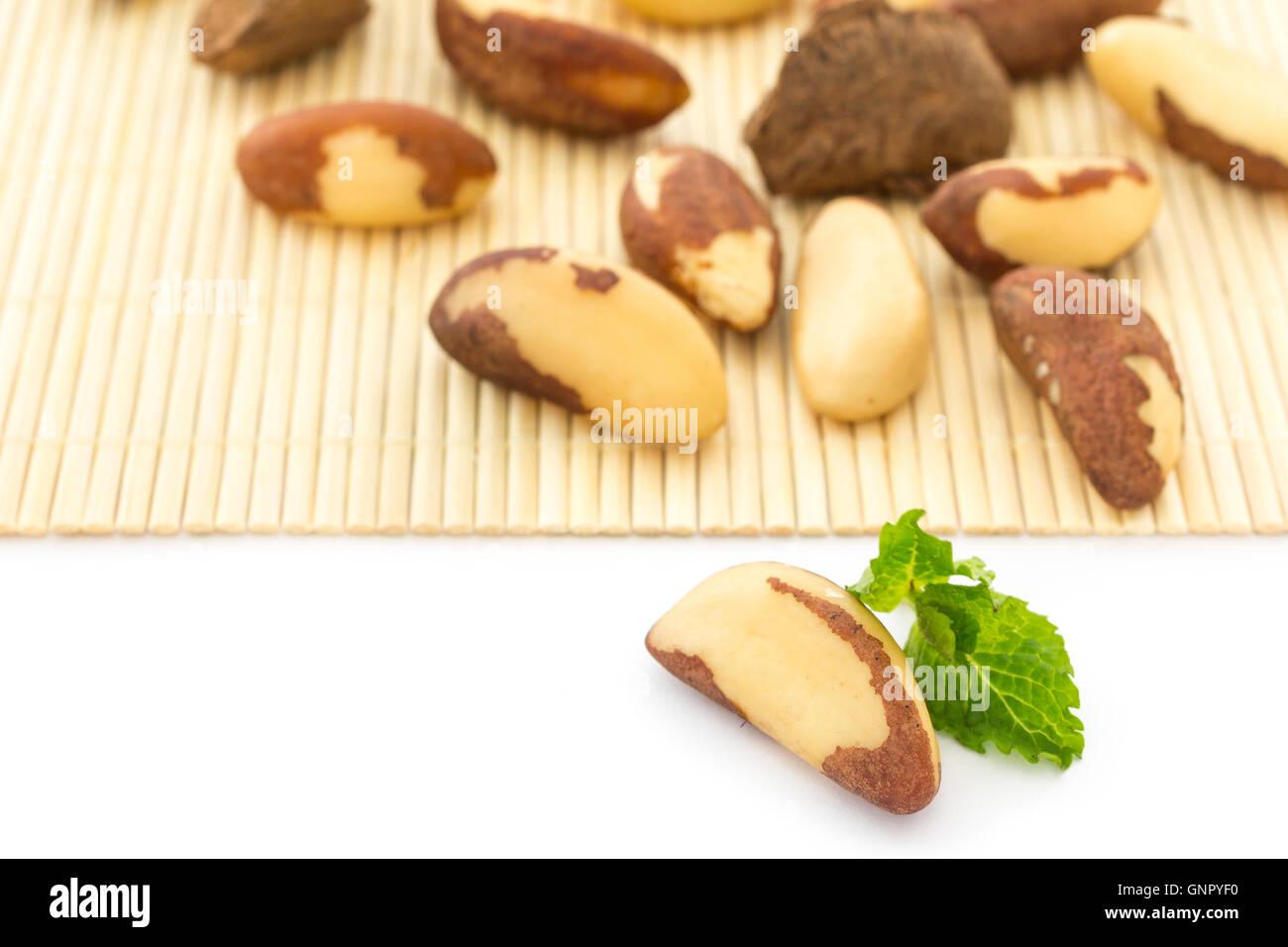 Bertholletia excelsa, noto come noci del Brasile. Ricca fonte di selenio e antiossidante Immagini Stock