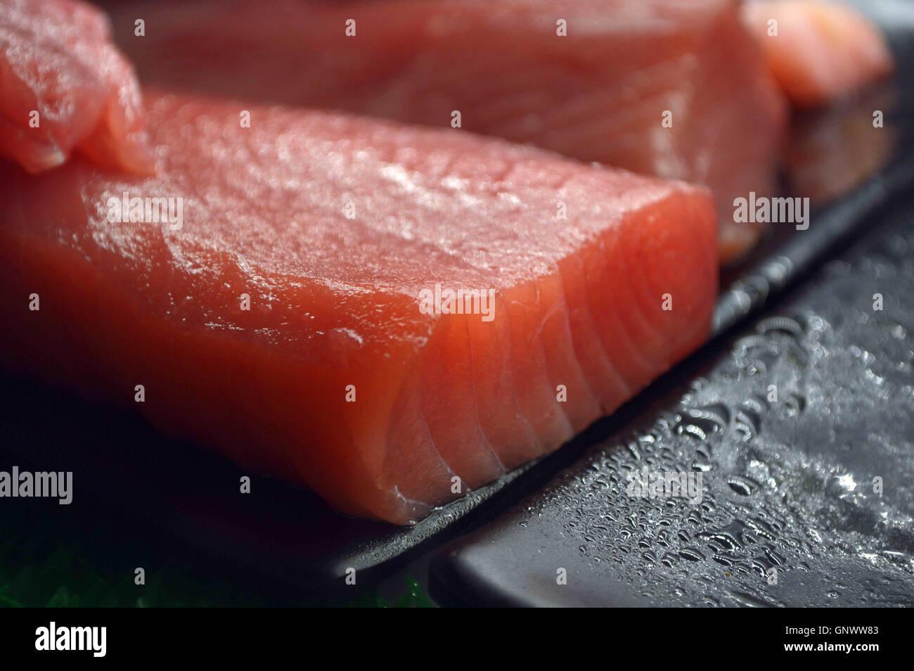 Tonno Di Filetto Di Pesce Per Culinaria Giapponese Sashimi Piatto