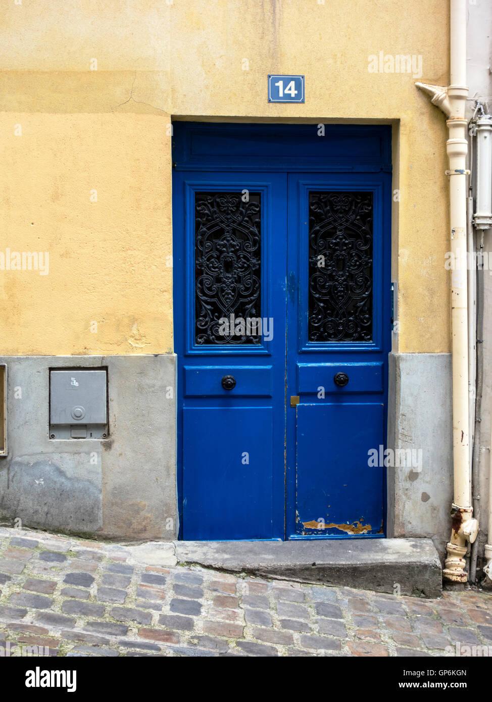 Porta blu a Parigi Immagini Stock