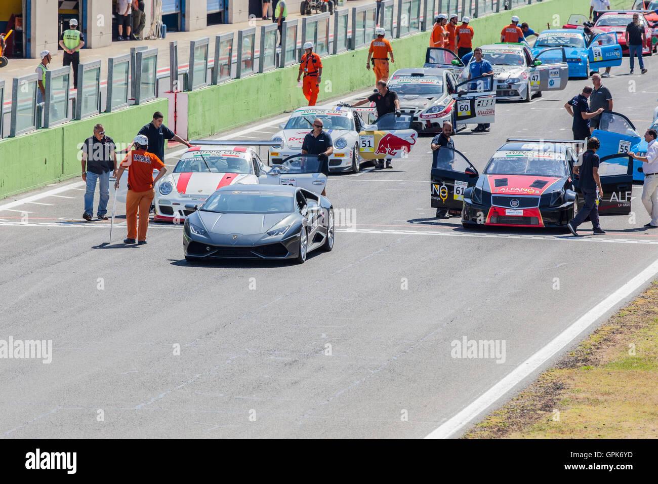 Circuito Vallelunga : Vallelunga anni tra storia e futuro libreria dell automobile