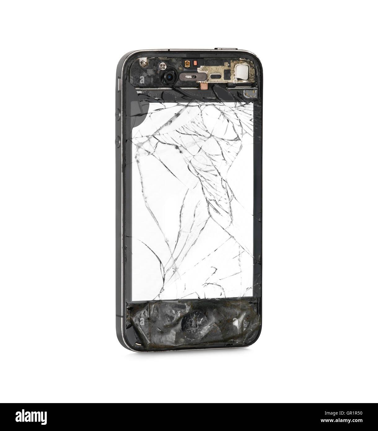 Danneggiato sul lato anteriore con schermo bianco di smart phone isolati su sfondo bianco. Tracciato di ritaglio Immagini Stock