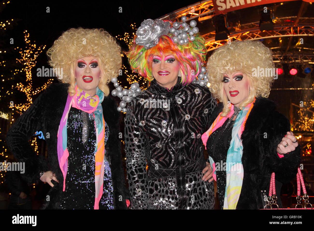 Apertura Santa Pauli, Hamburgs più cool del Mercato di Natale con Olivia Jones Immagini Stock