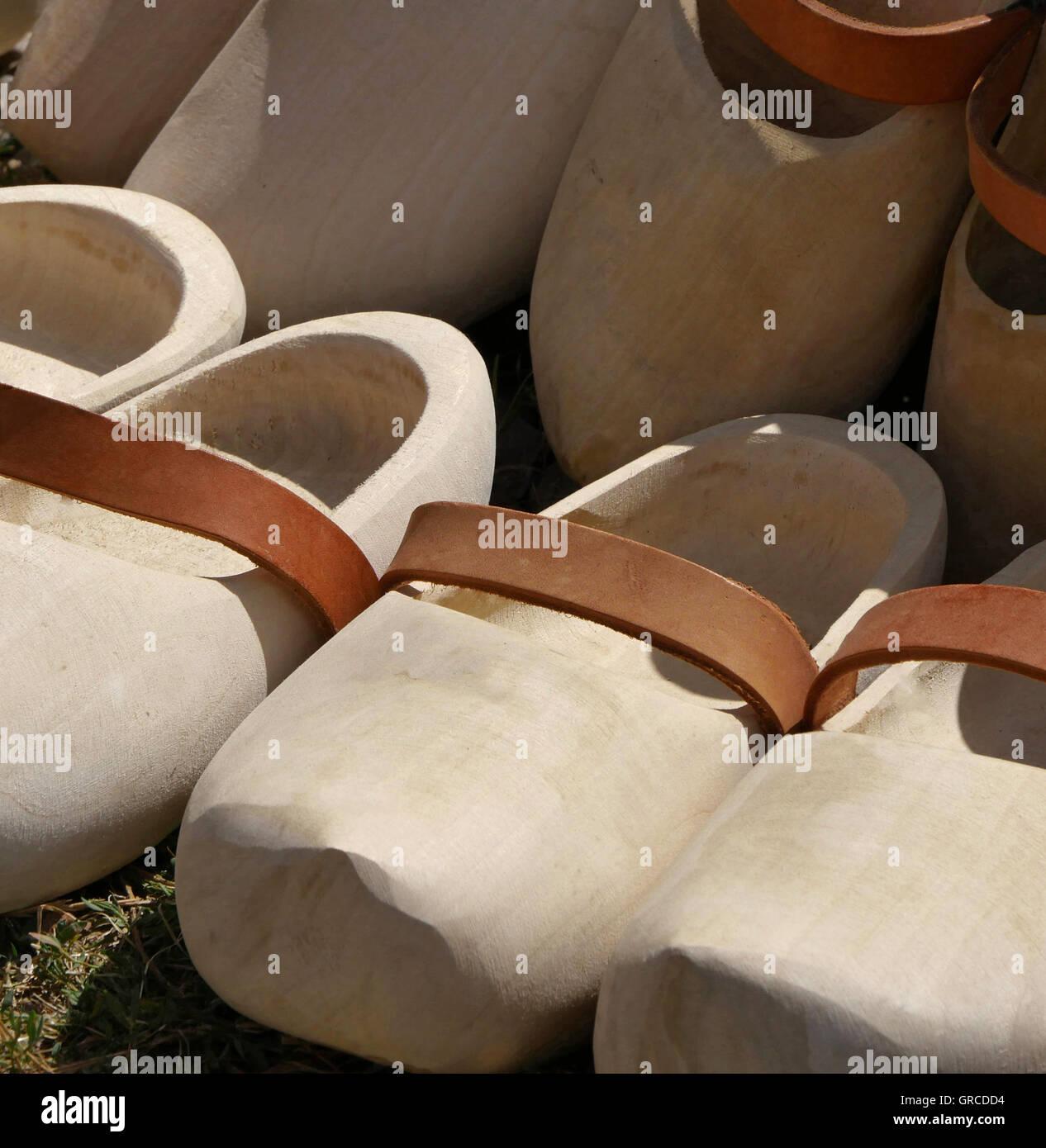 Zoccoli al Mercato degli Agricoltori Immagini Stock