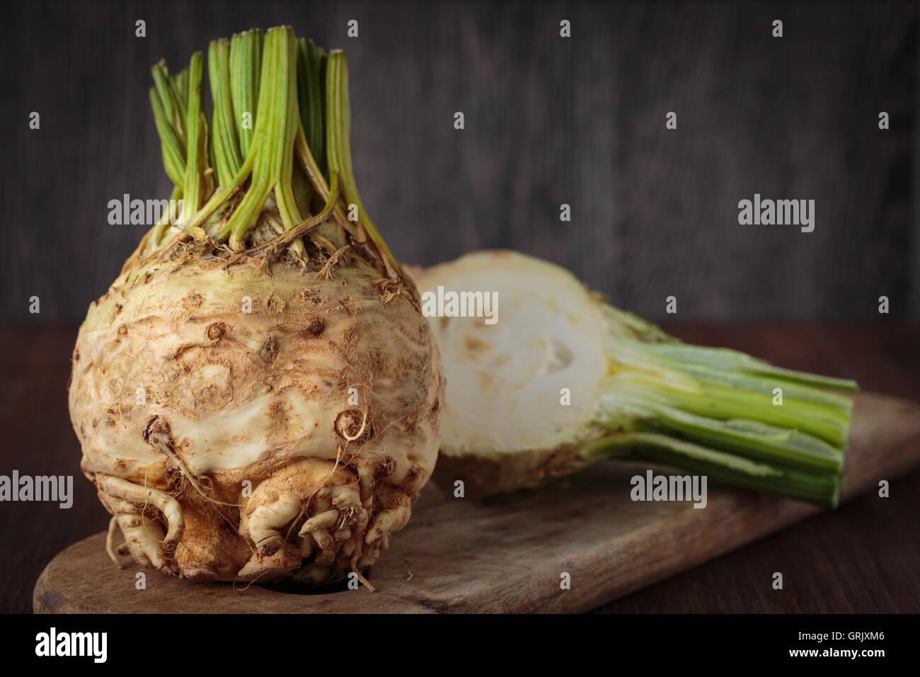 Crudo fresco sedani rapa per una sana alimentazione Foto Stock