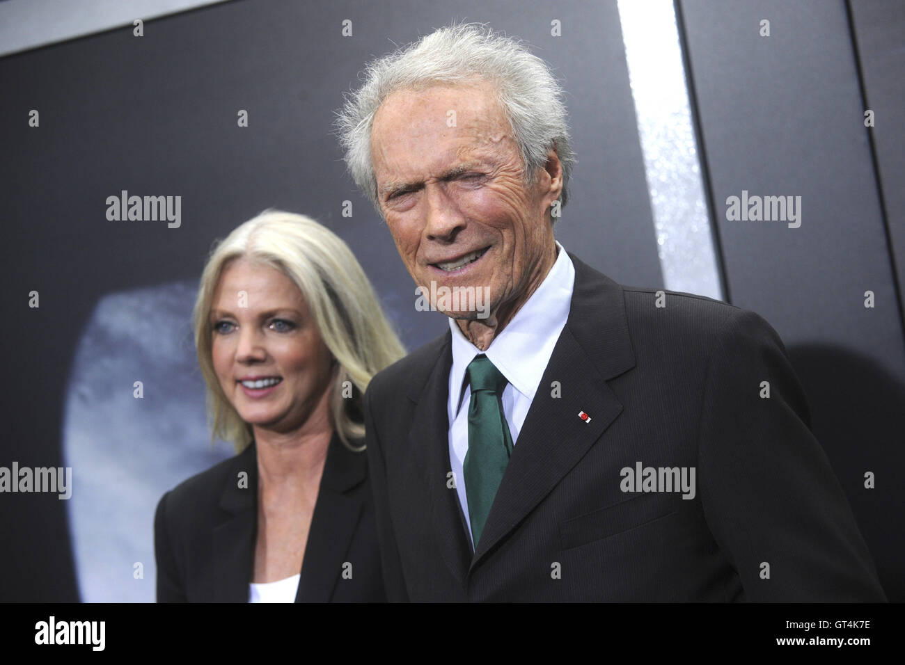 La città di New York. 6 Sep, 2016. Christina Sandera e Clint Eastwood frequentare il 'Sully' New York premiere a Alice Tully Hall, Lincoln Center il 6 settembre 2016 a New York City. | Verwendung weltweit/picture alliance © dpa/Alamy Live News Foto Stock
