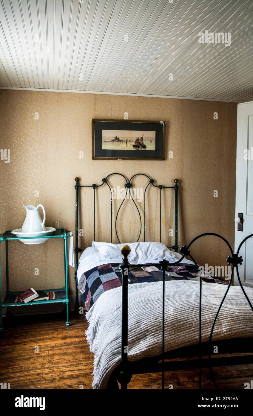 Camera da letto Vintage su una storica fattoria, Freehold Township ...