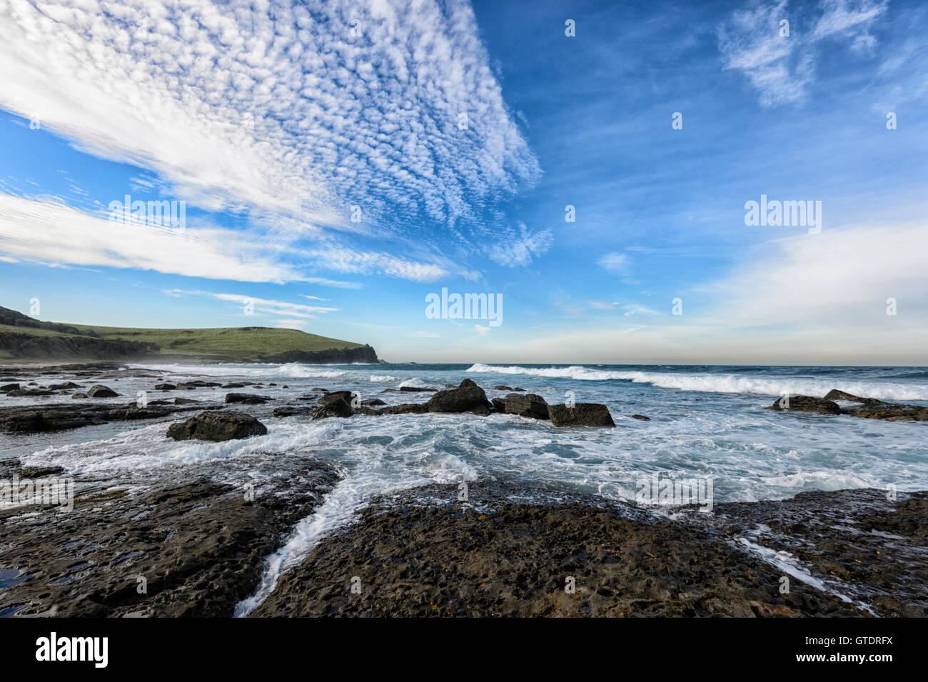 Vista della costa Sud a Gerroa Headland, Nuovo Galles del Sud, NSW, Australia Immagini Stock