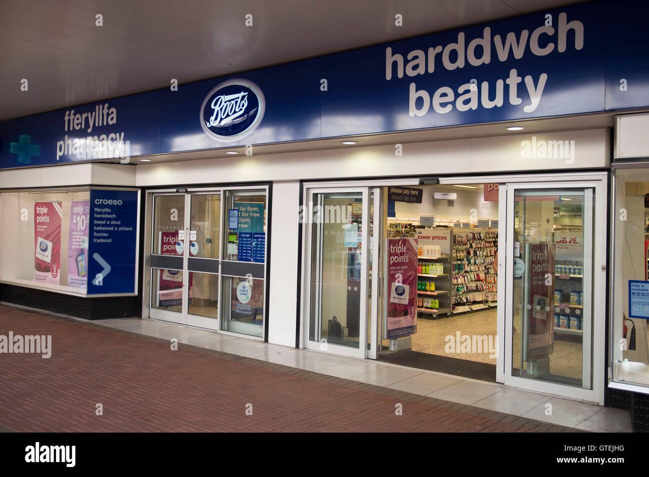 Stivali chimico esterno segno negozio logo in Cwmbran, nel Galles del Sud. Immagini Stock