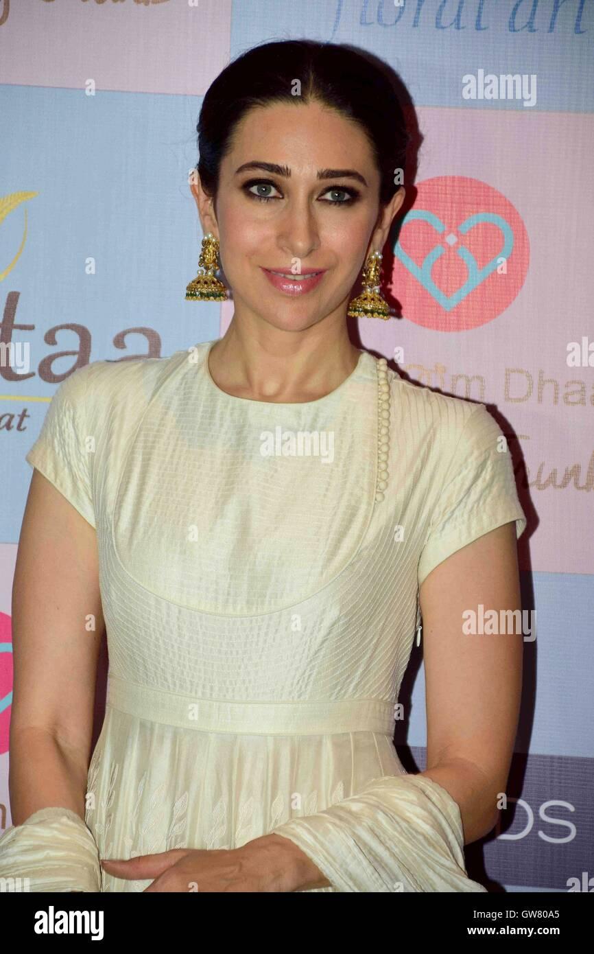 Attore di Bollywood Karisma Kapoor durante il celebrity stylist, Tanya Ghavri's Dhoom Dhaam Wedding Trunk Show, Immagini Stock