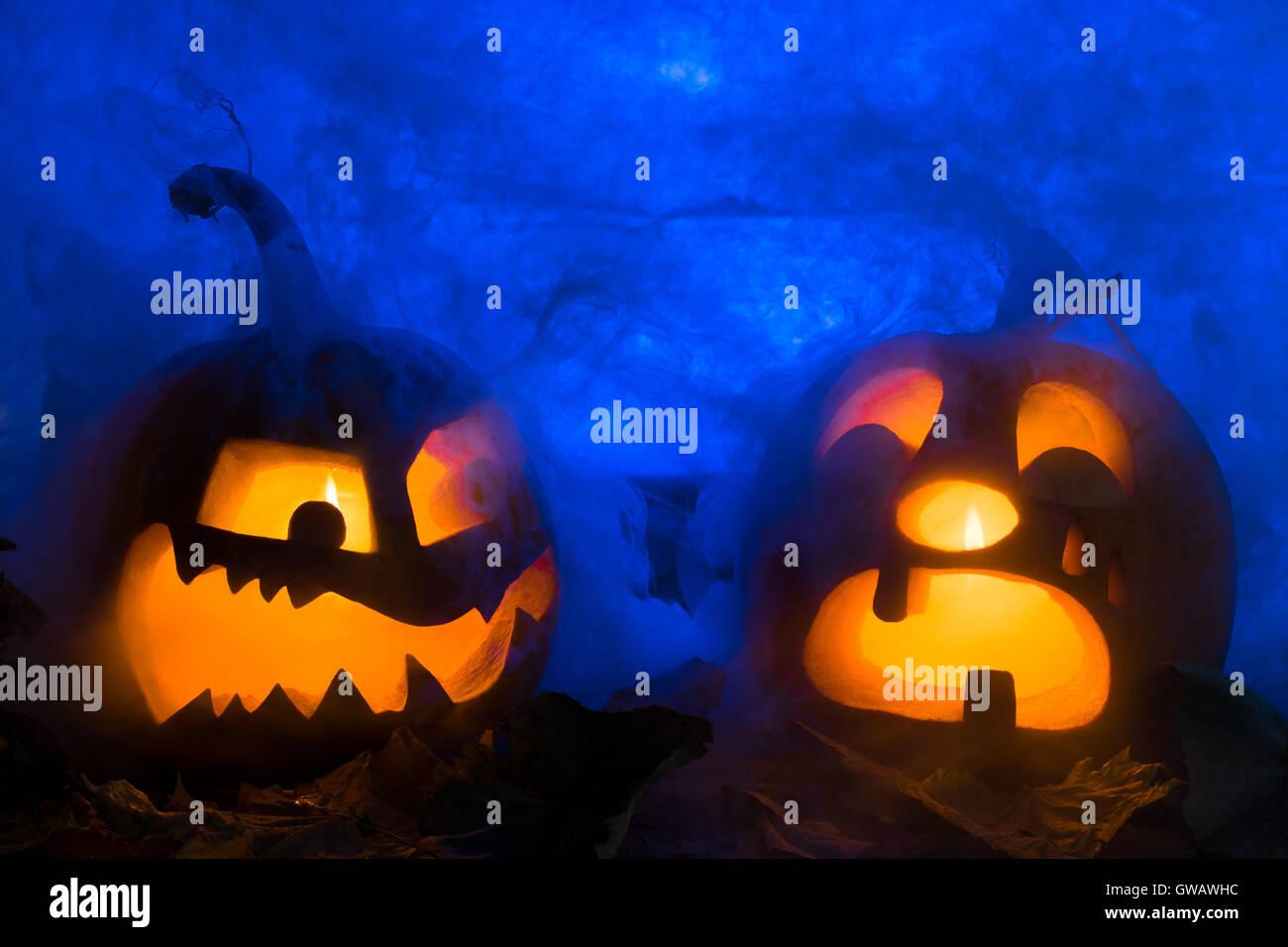 Foto di zucca per una vacanza halloween il maligno e piange la