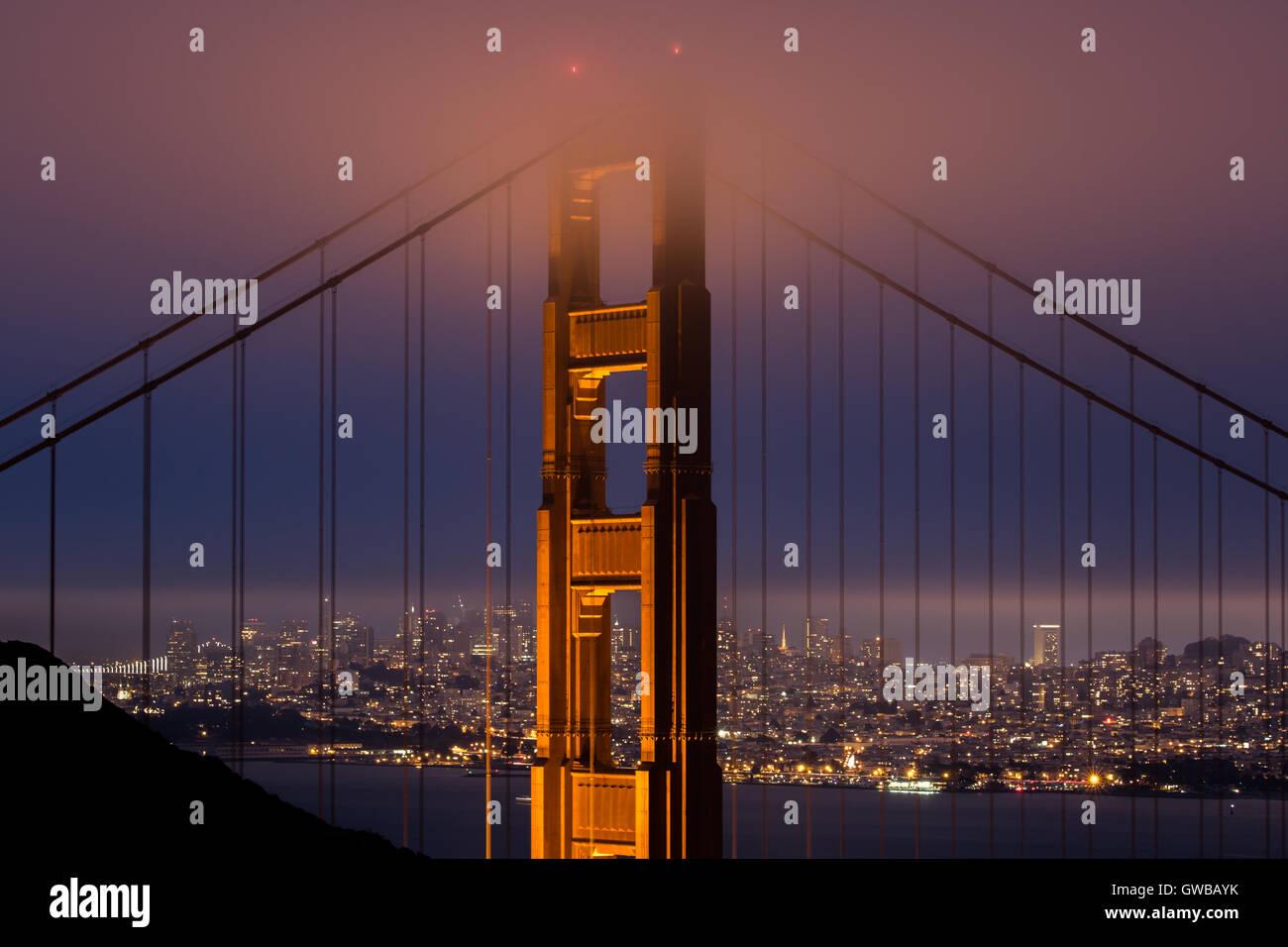 Golden Gate Bridge da Kirby Cove, San Francisco, California, Stati Uniti d'America Foto Stock
