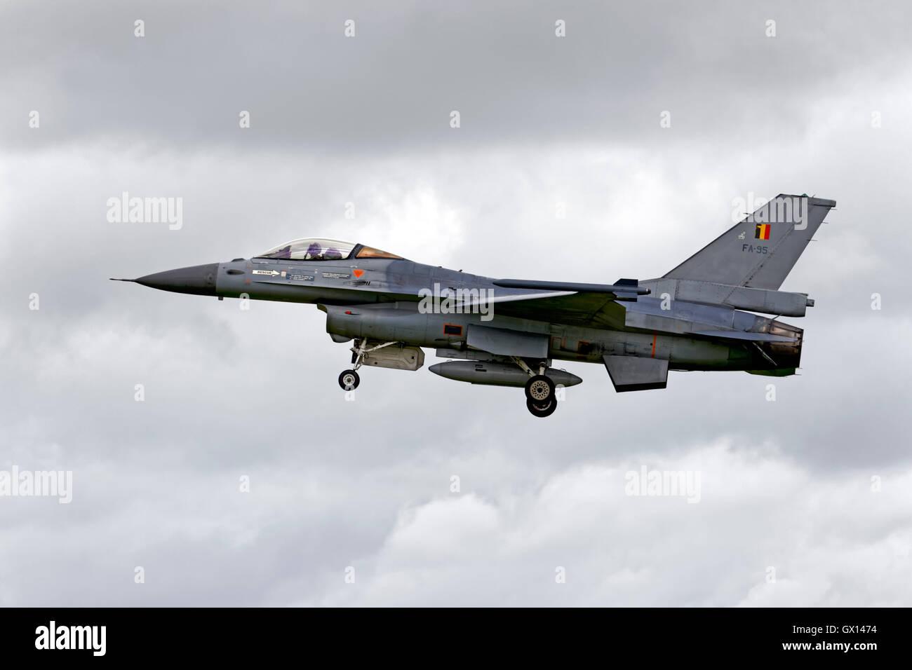 Un belga componente aria General Dynamics F-16AM, FA-95, sul finale a terra alla rnas yeovilton international air Immagini Stock