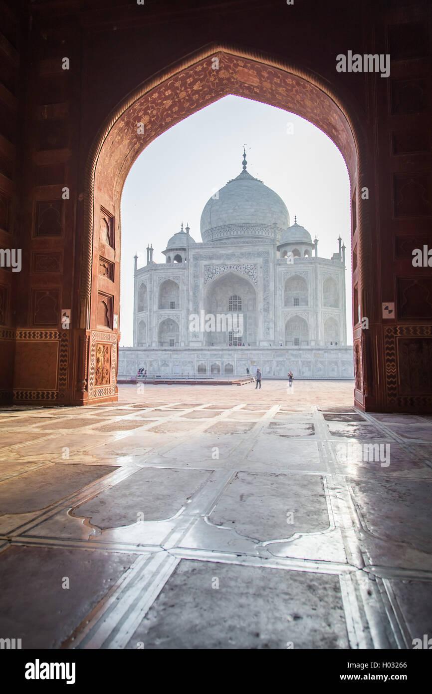 Vista del Taj Mahal dalla moschea. Lato ovest. Immagini Stock