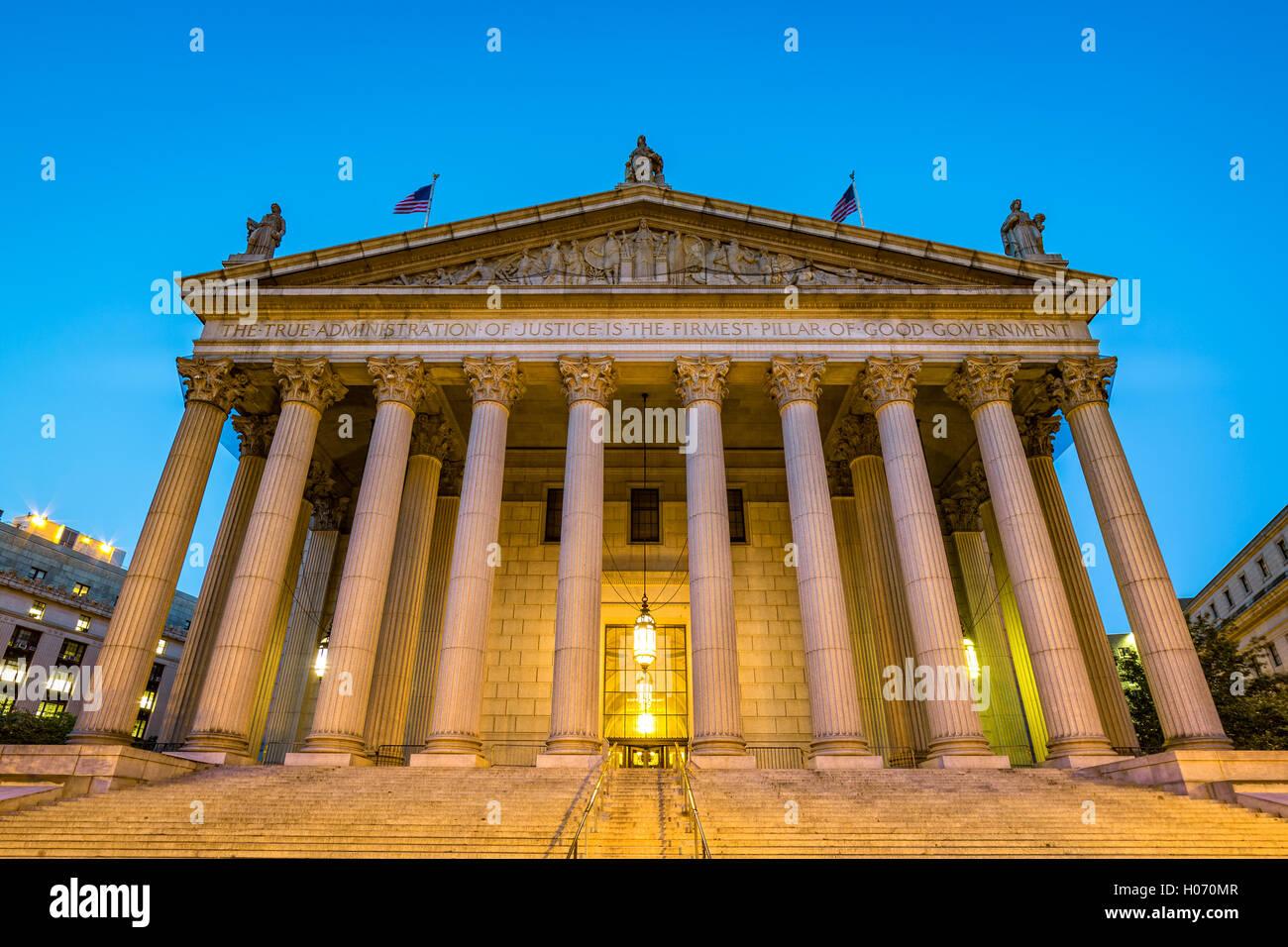 L'edificio pubblico della Corte Suprema di New York situato nel centro civico quartiere di Lower Manhattan a New York City Foto Stock