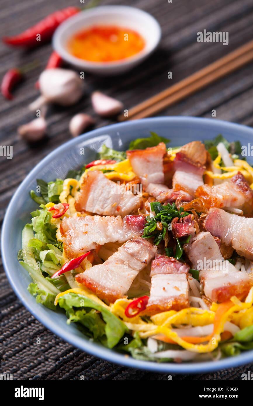 Fritto misto di riso con carne di maiale Immagini Stock
