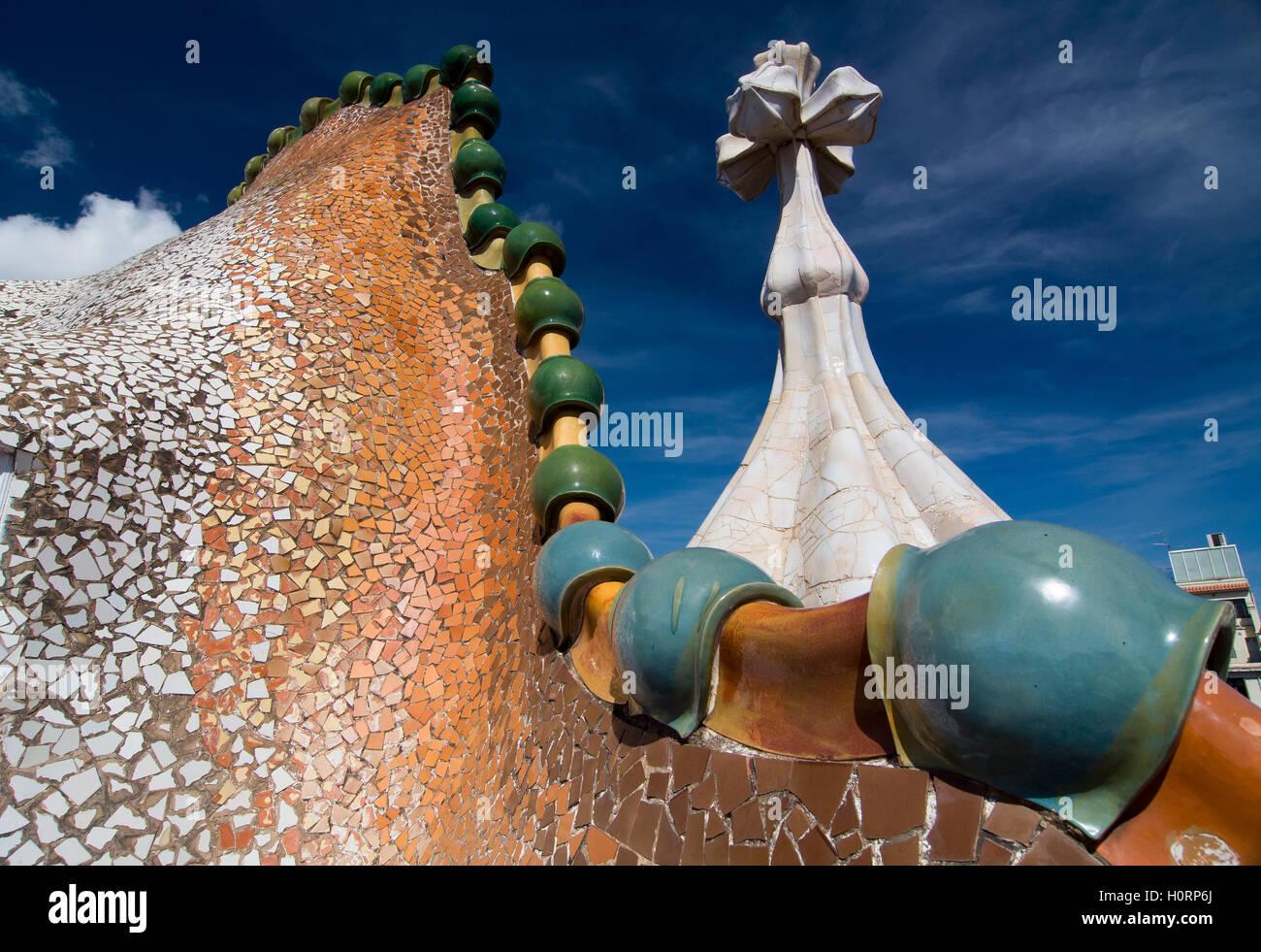 Barcellona 20 settembre: tetto di casa casa batllo progettato da