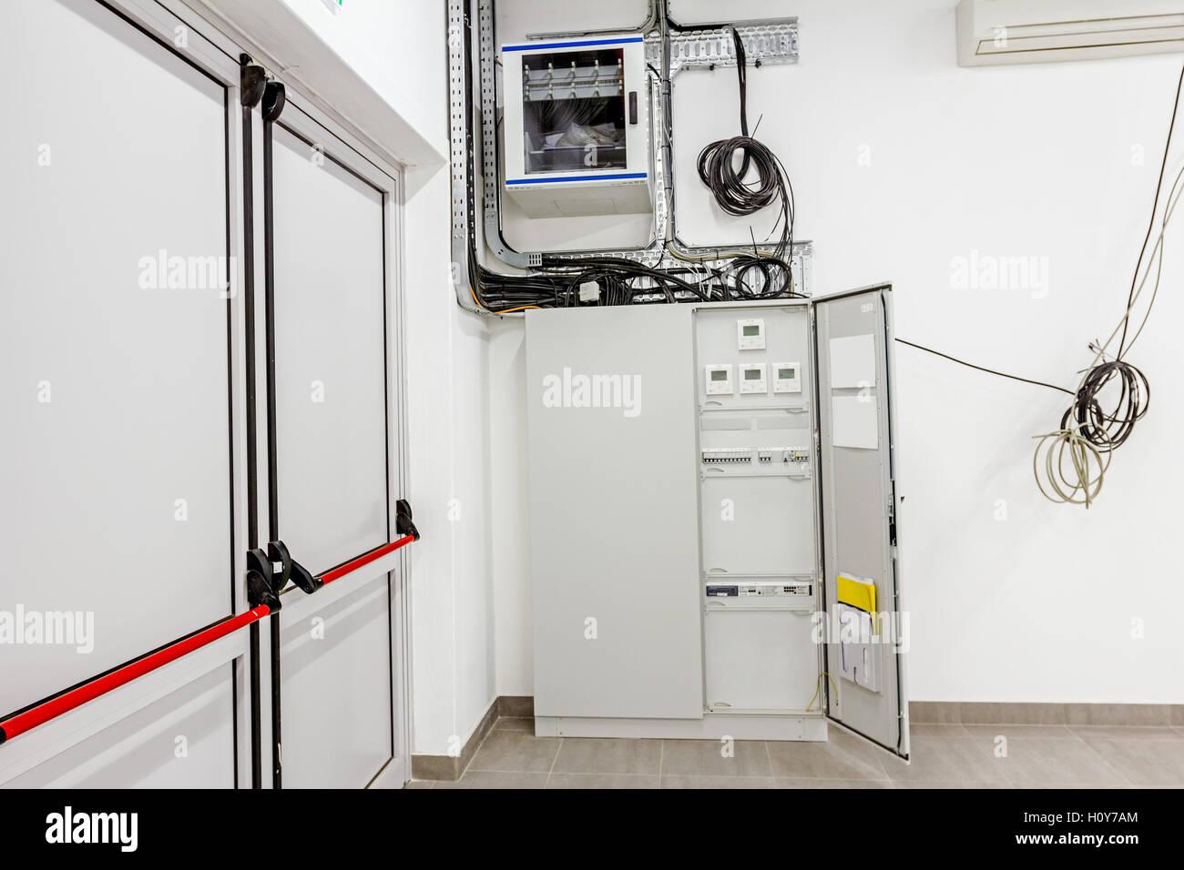 smart home automation: display che mostra i consumi domestici relativi a  temperatura e riscaldamento