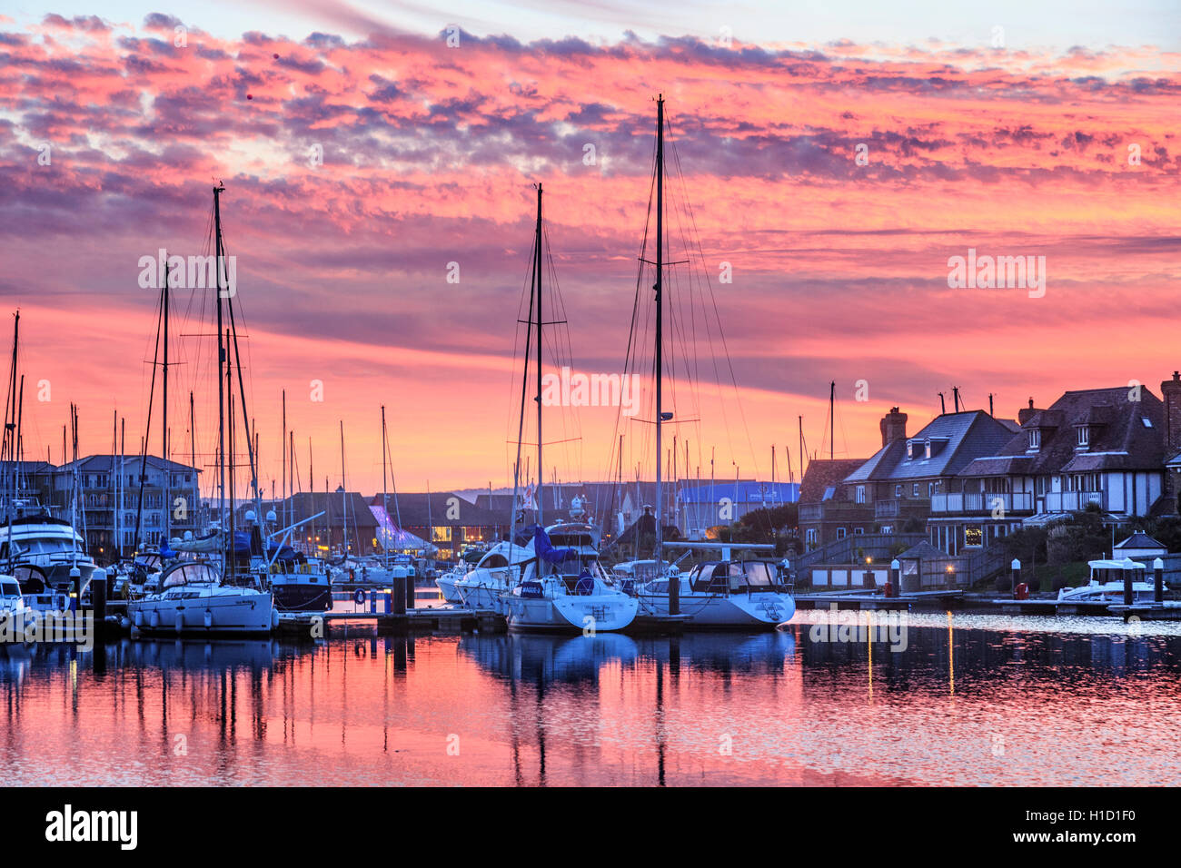 Sovereign Harbour Eastbourne al Tramonto Tramonto Immagini Stock
