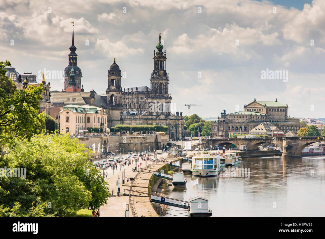 DRESDEN, Germania - 22 agosto: turisti nel centro storico di Dresda, in Germania il 22 agosto 2016. Immagini Stock