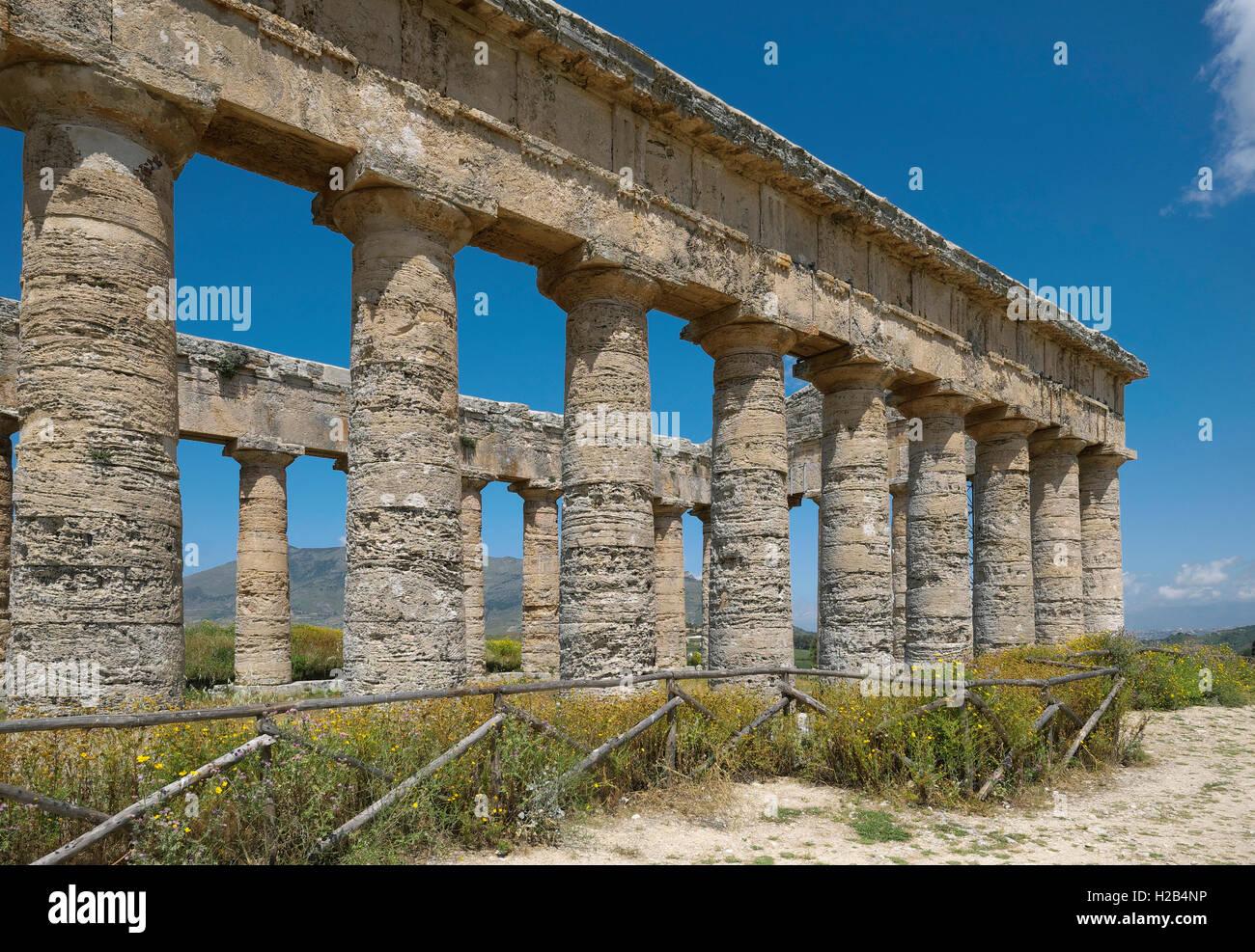 Antico tempio di Segesta, in provincia di Trapani, Sicilia, Italia Immagini Stock