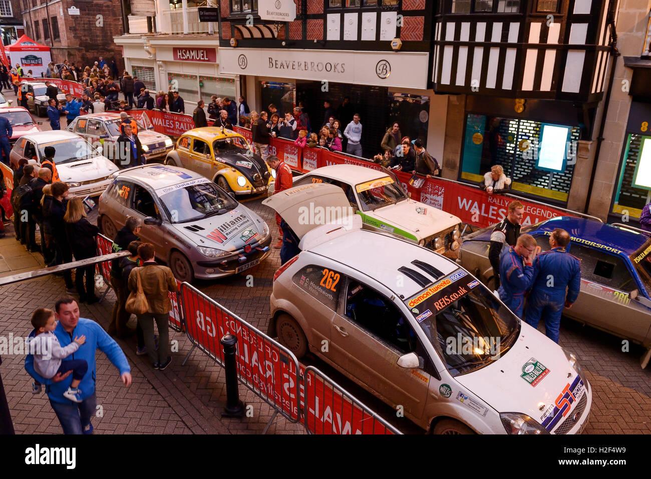 Chester, Regno Unito. 28 ottobre, 2016. Rally Galles GB. Alla fine del giorno uno, automobili competere nel WRGB Immagini Stock