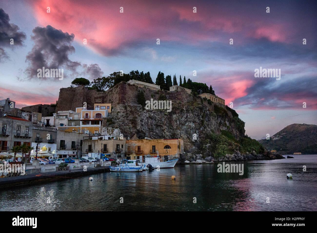 Il porto di Lipari, Sicilia Immagini Stock