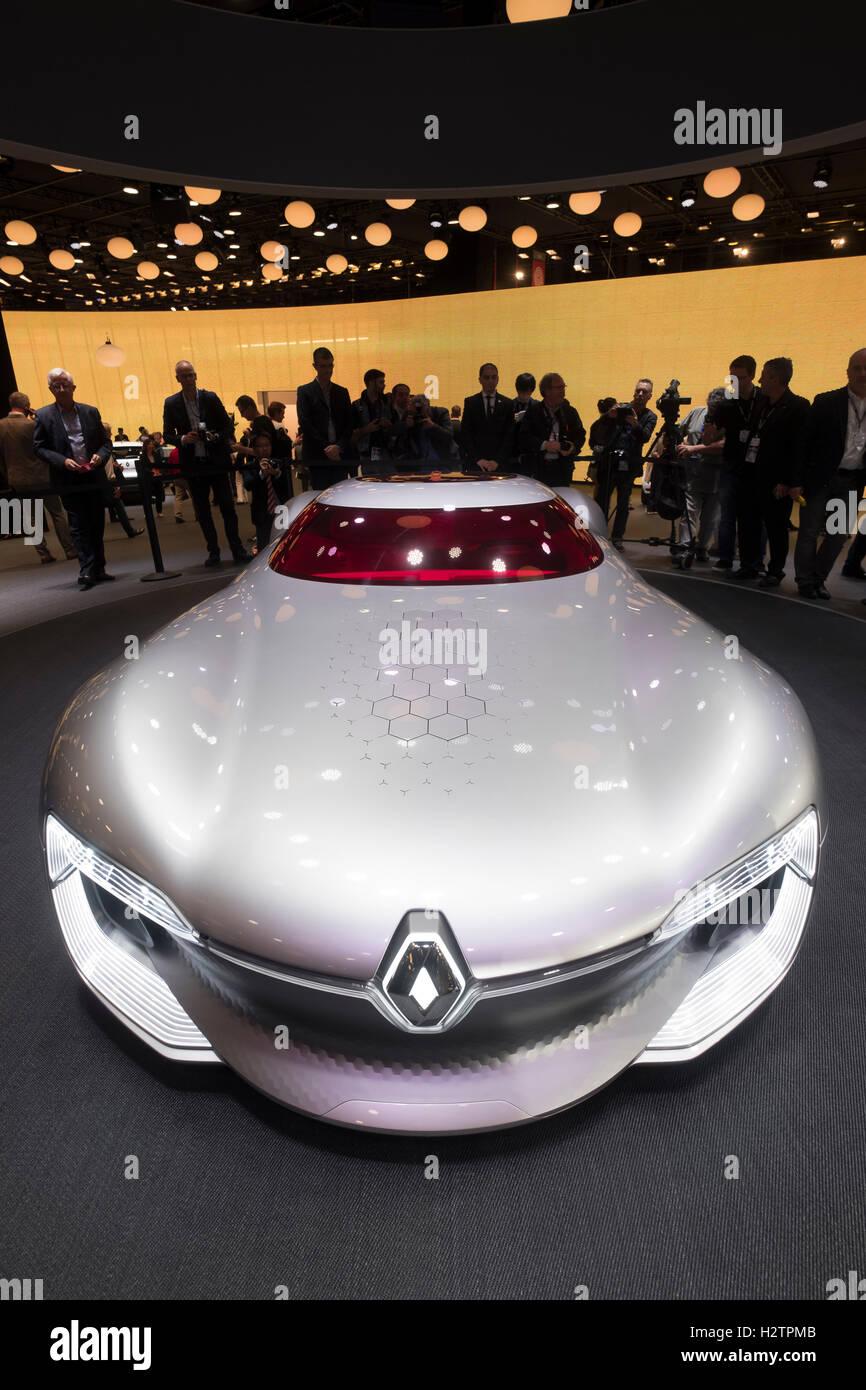 Premiere mondiale della Renault Trezor concetto supercar elettrica al Motor Show di Parigi 2016 Immagini Stock