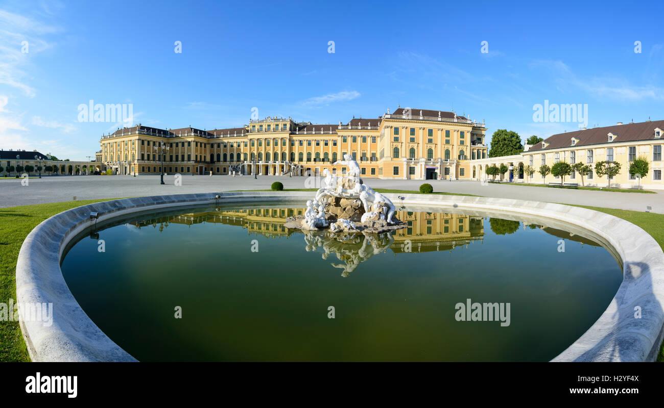 Wien, Vienna: palace chateau Schloss Schönbrunn, 13., Wien, Austria Immagini Stock