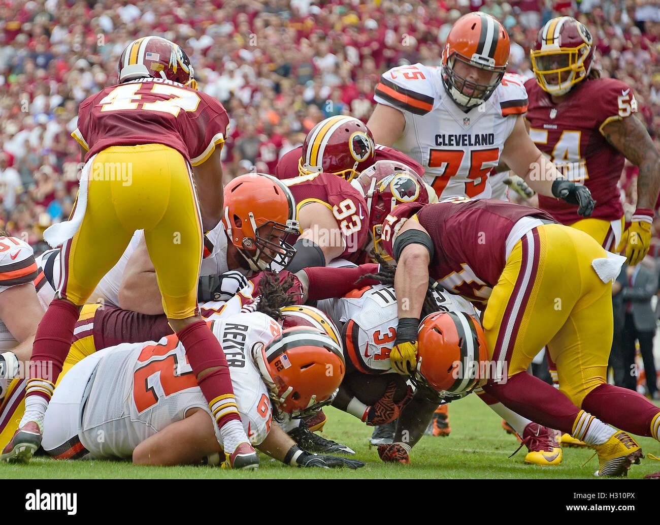 Landover, Maryland, Stati Uniti d'America. 02oct, 2016. Cleveland Browns running back Isaia Crowell (34) punteggi Foto Stock
