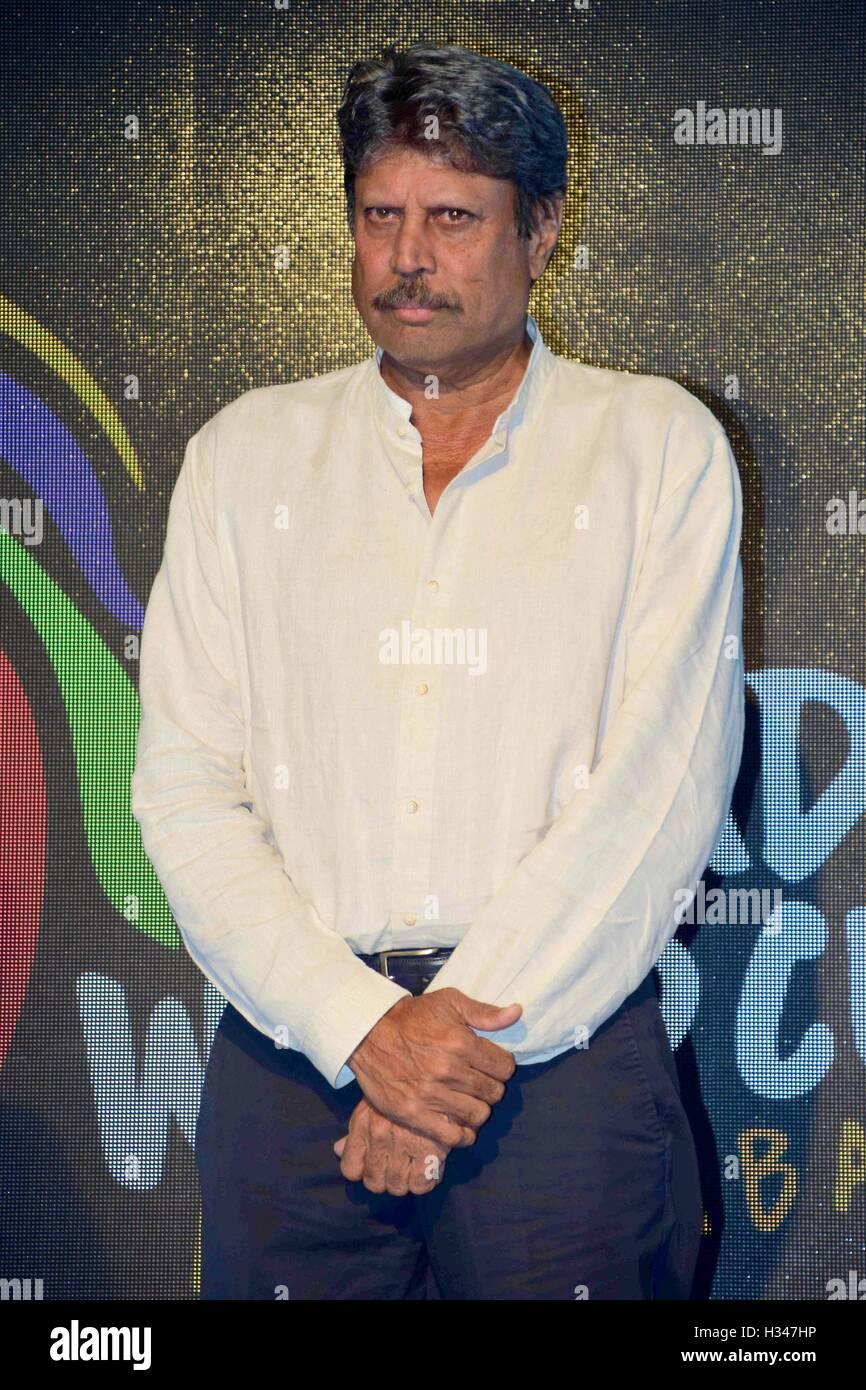 Indiano ex giocatore di cricket Kapil Dev durante l'annuncio di indiani il Dream Team per il 2016 Kabaddi World Immagini Stock