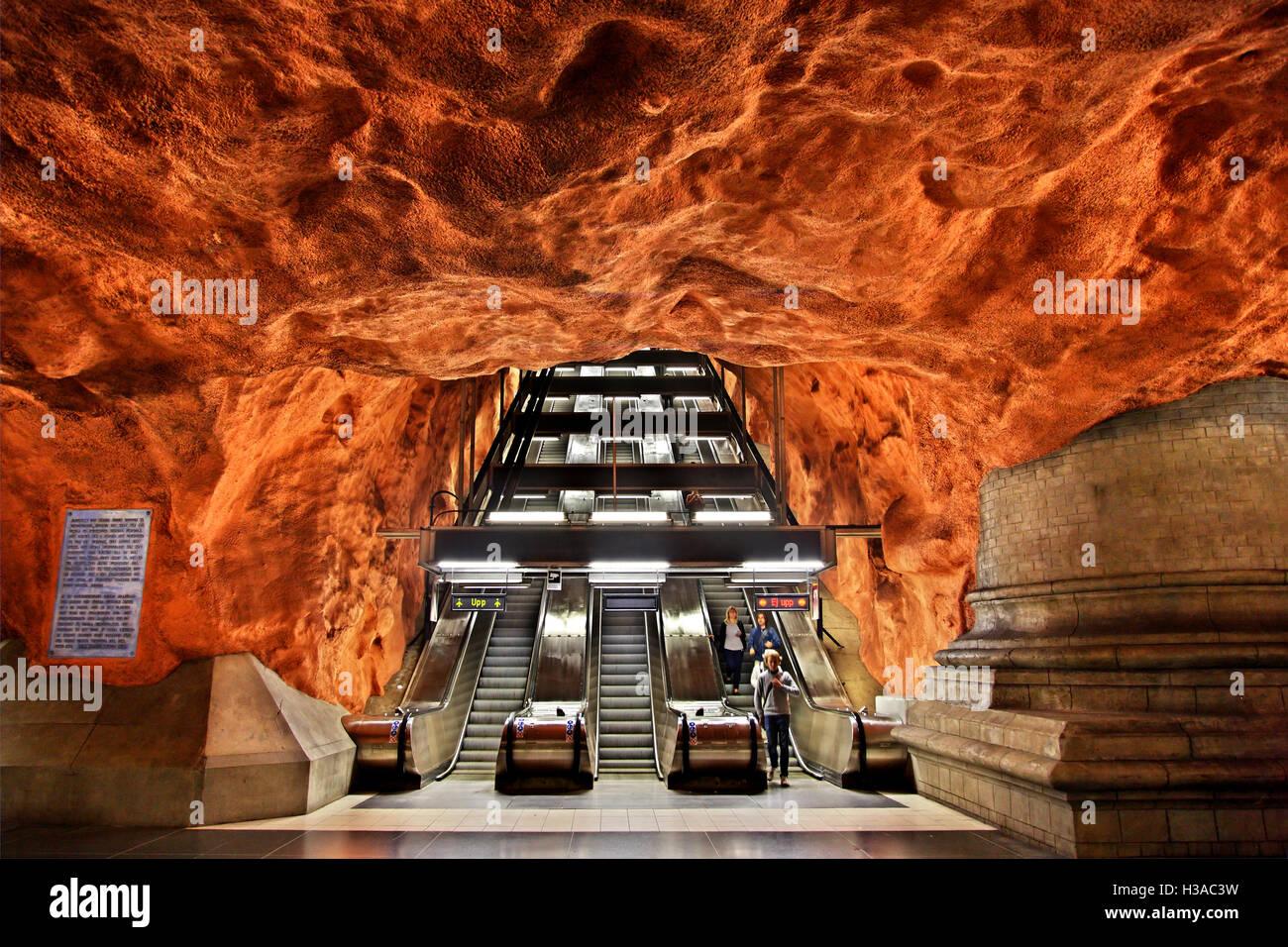 L'impressionante Radhuset metro (Tunnelbana) stazione, Stoccolma, Svezia. Immagini Stock