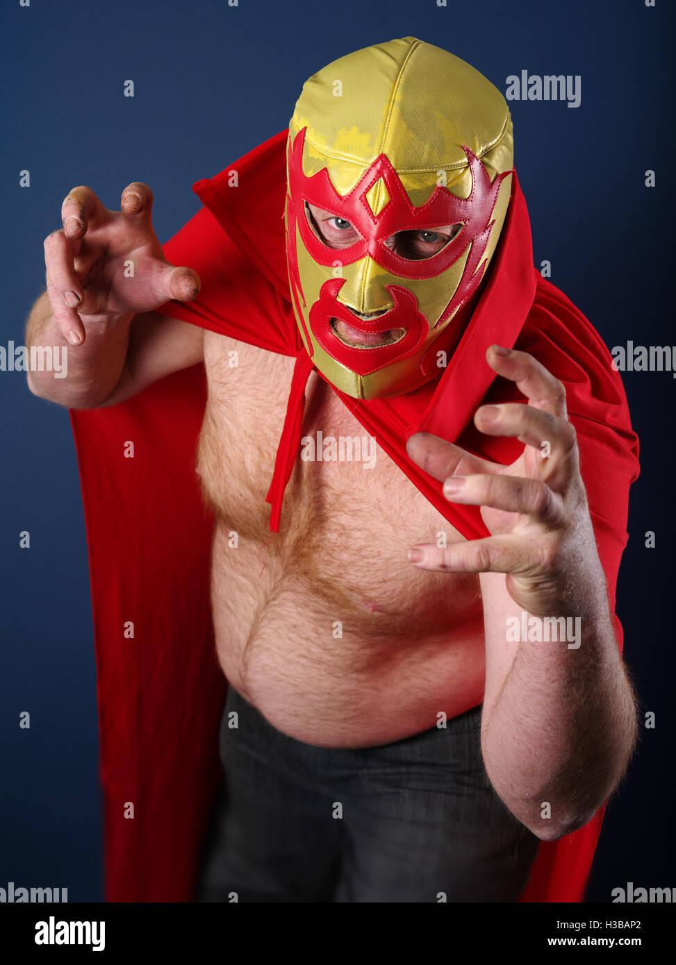 Fotografia di un wrestler messicano o Luchador in posa. Immagini Stock