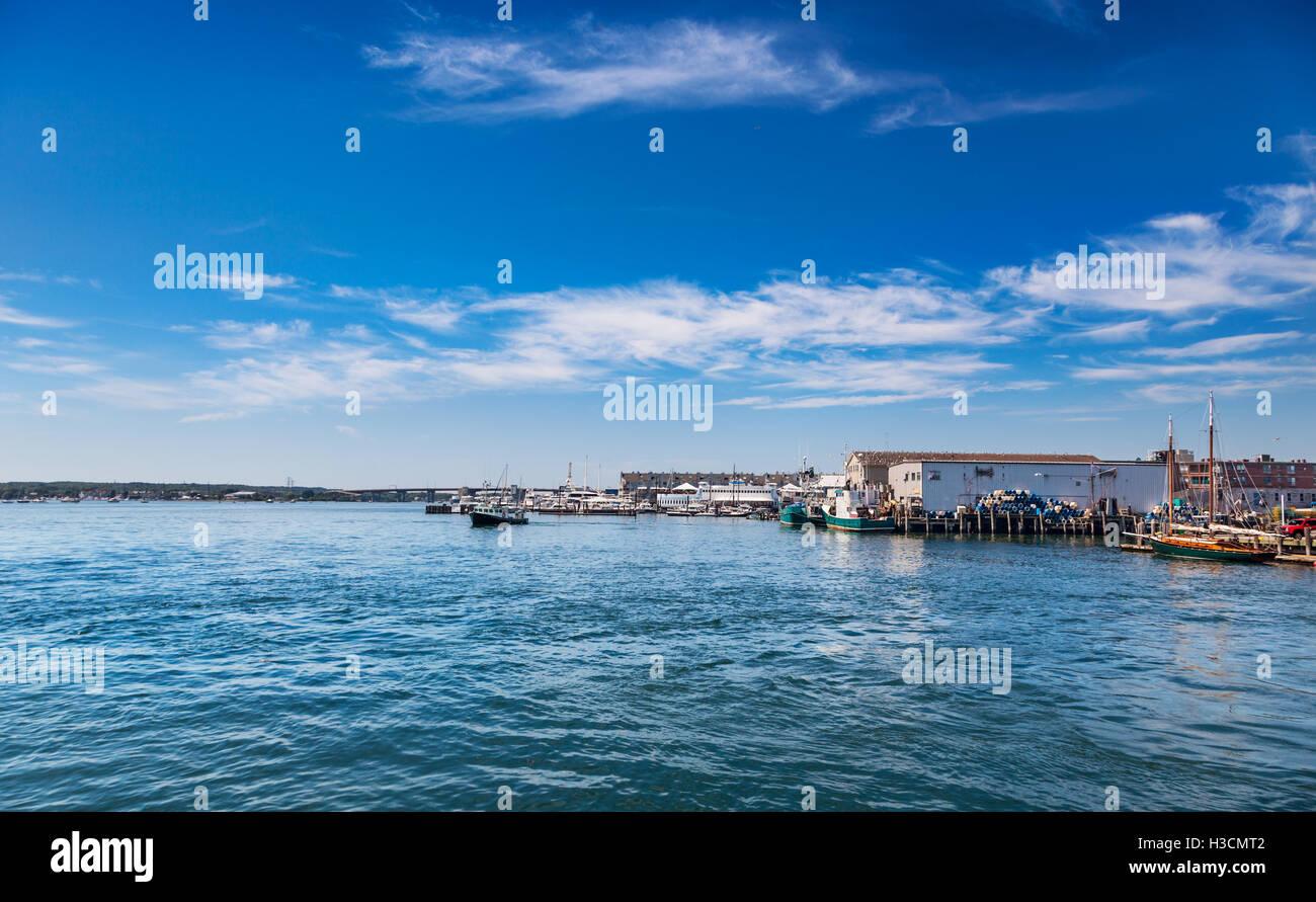 Portland waterfront e Casco Bay Bridge Immagini Stock