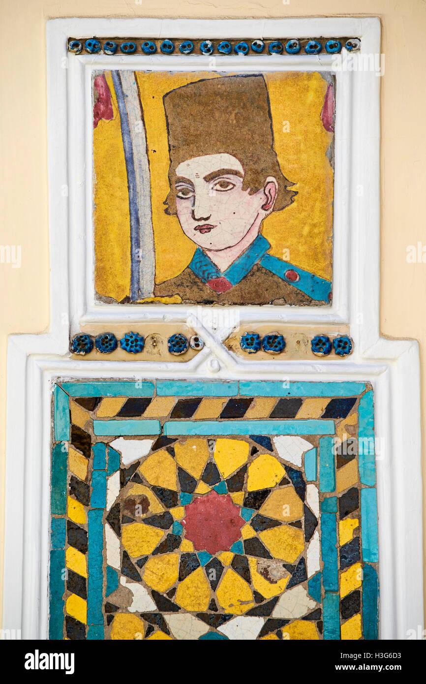 Iran, Teheran Moghadam museum, la decorazione di piastrelle in casa tradizionale Immagini Stock