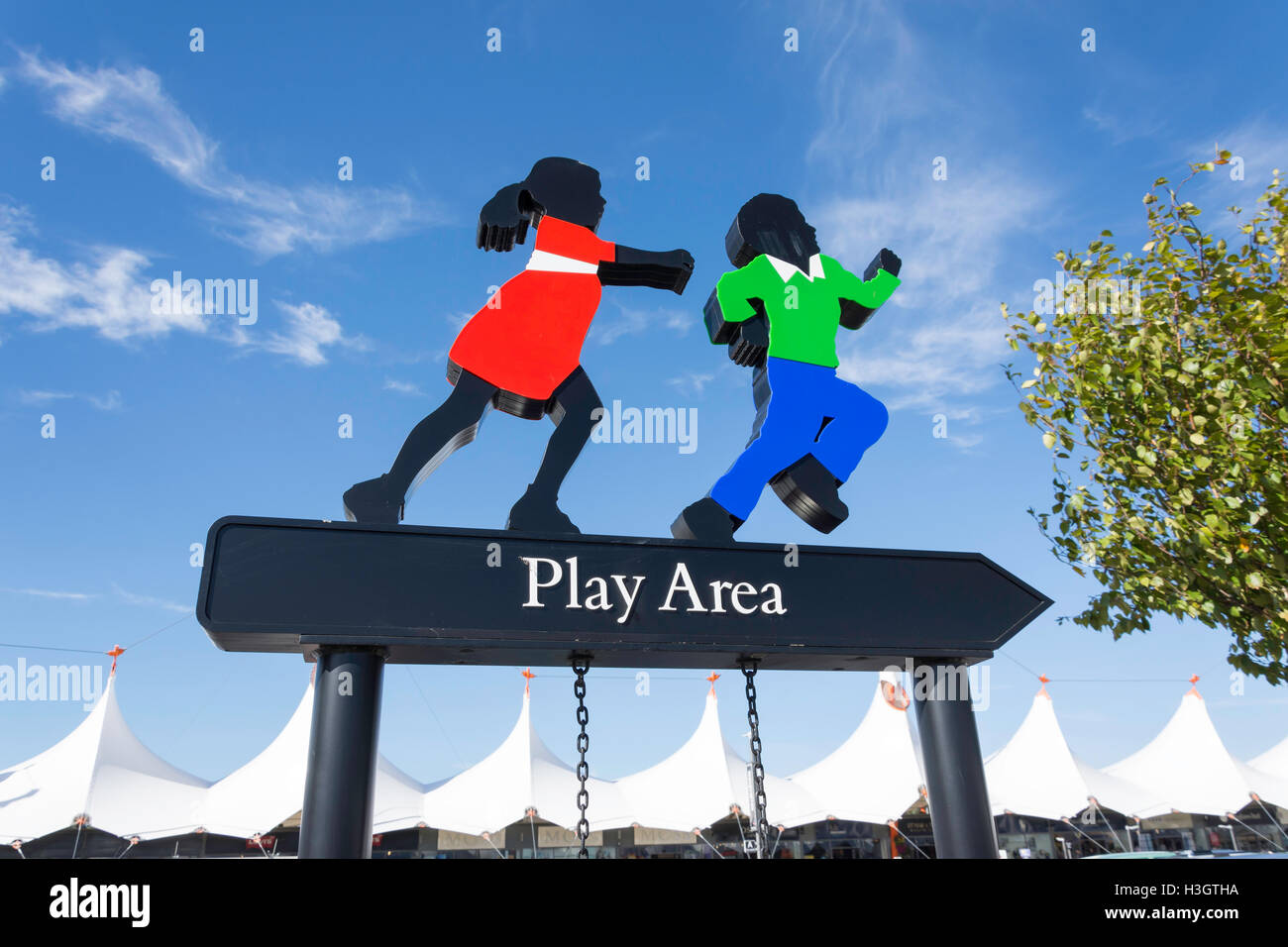 Area giochi per bambini segno a Ashford Designer Outlet, modo di ...
