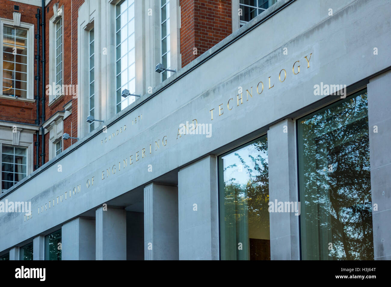 Istituto di ingegneria e tecnologia, Savoy Place, Embankment. Londra, Regno Unito Immagini Stock