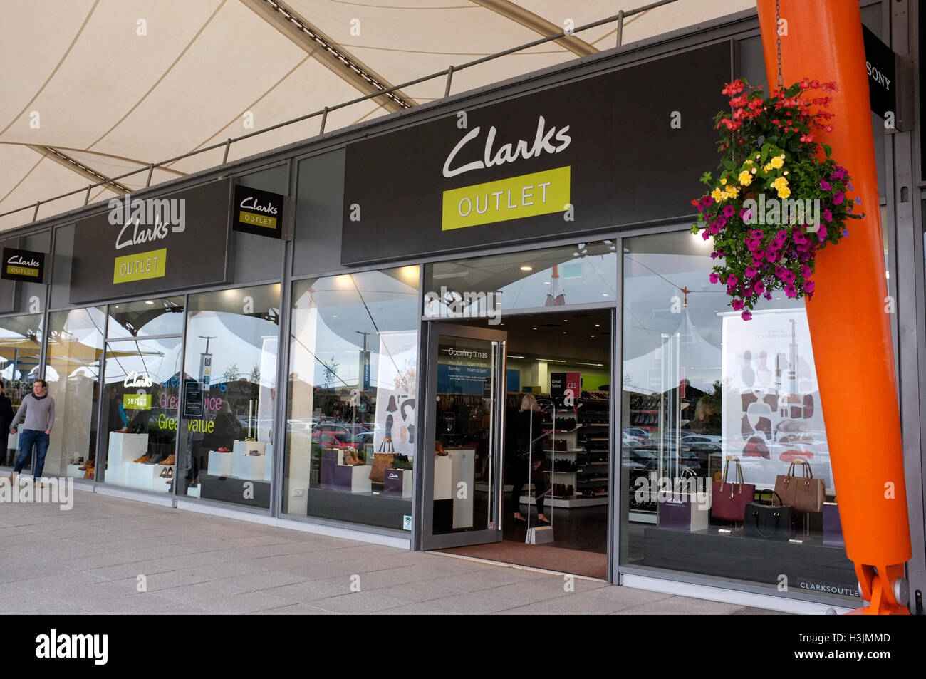 Clarks Outlet Immagini & Clarks Outlet Fotos Stock Alamy