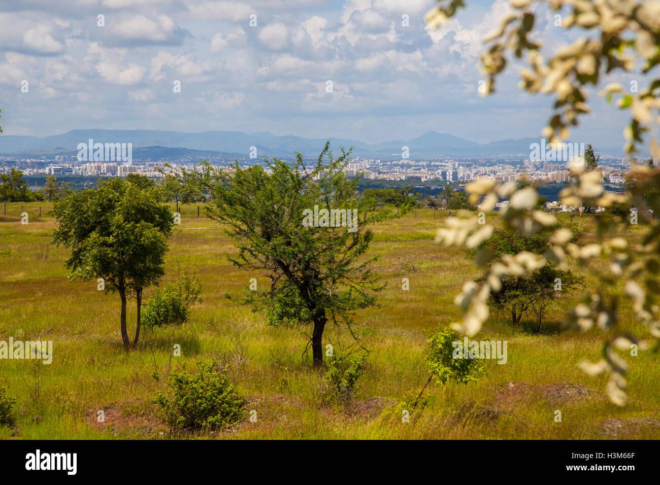 Pune City visto dalla collina vetal, India Maharashtra Immagini Stock