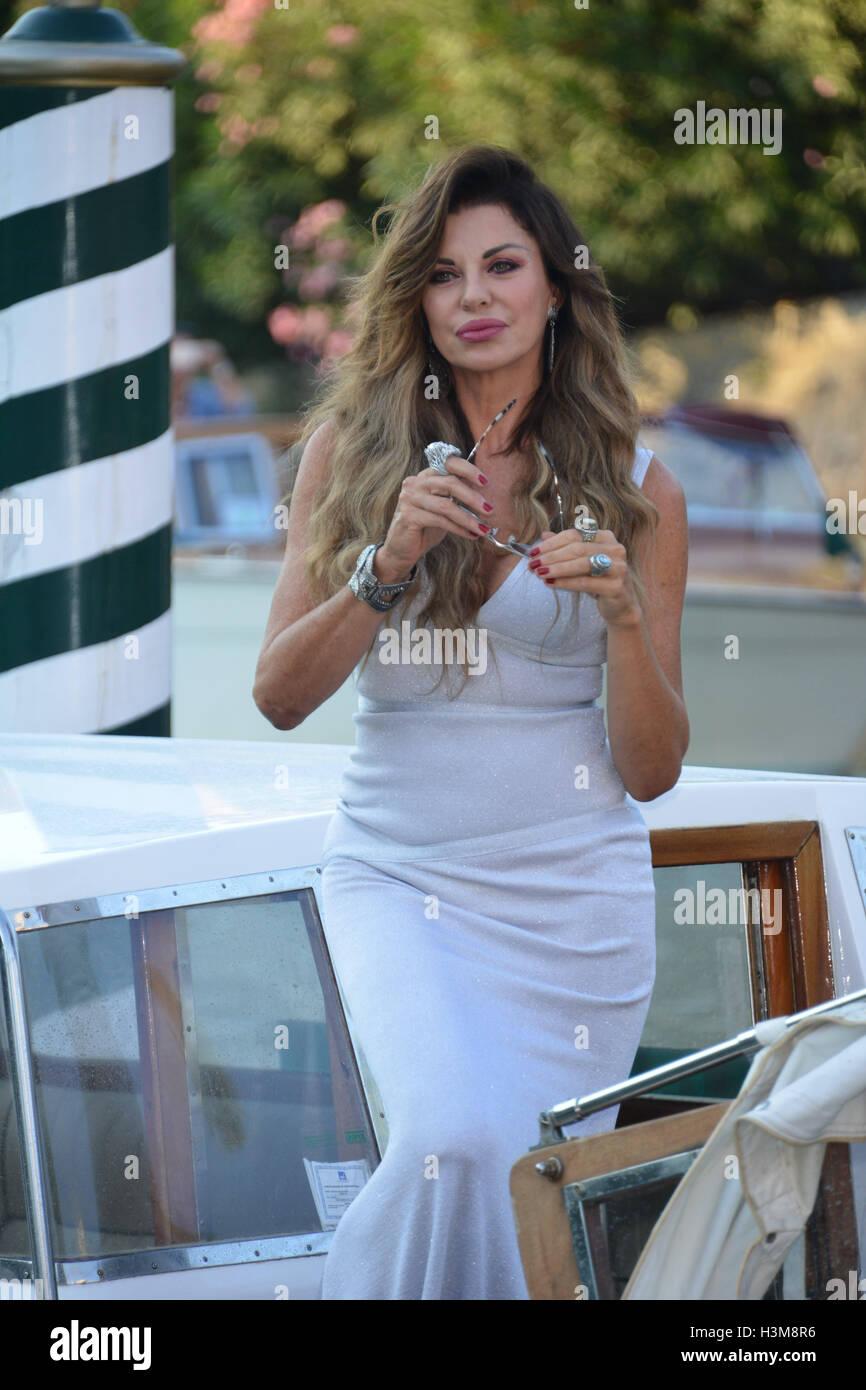 73a Mostra del Cinema di Venezia - Celebrity avvistamenti - Giorno 9 dotate di: Alba Parietti dove: Venezia, Italia Immagini Stock