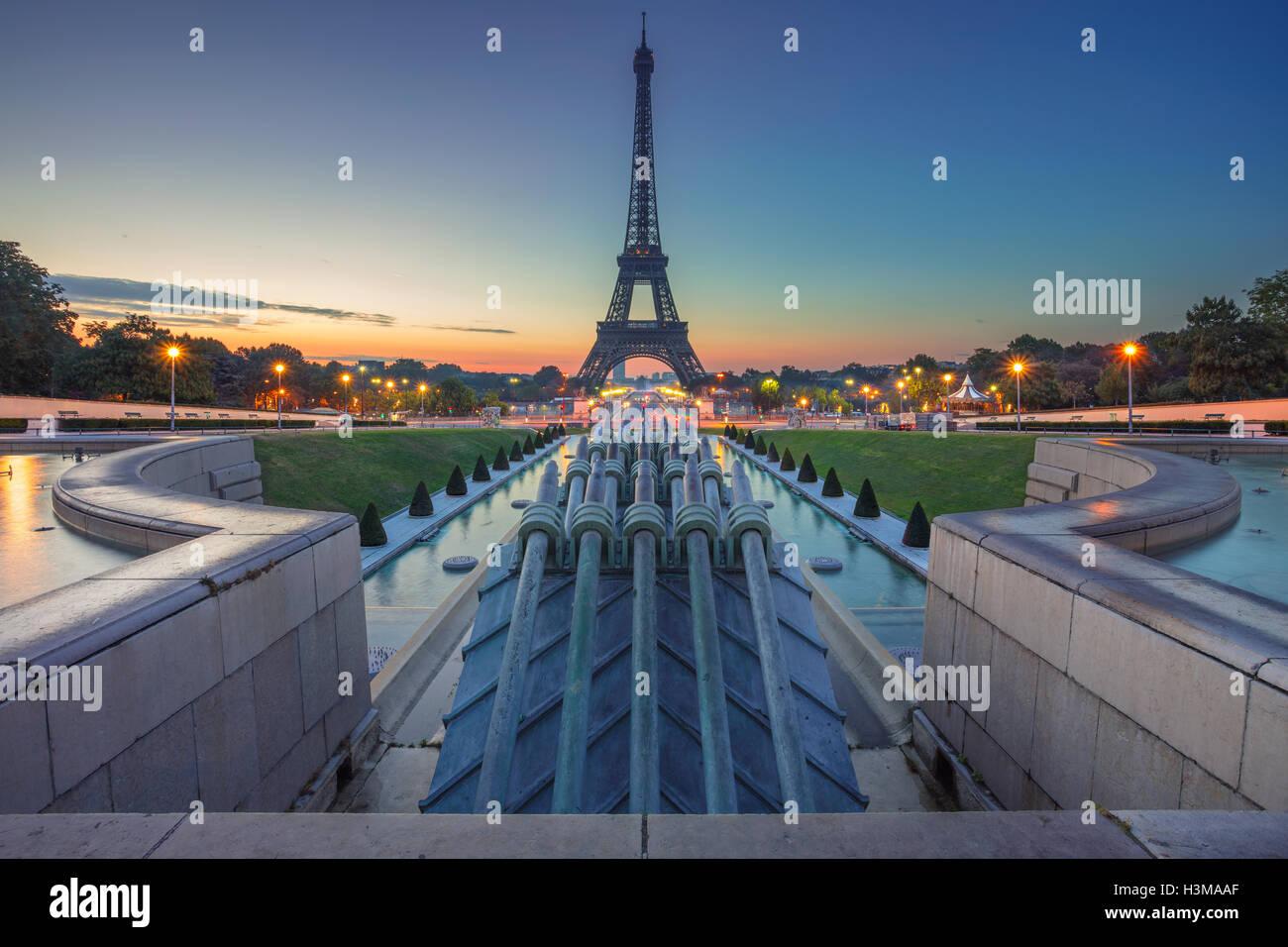 Parigi, Francia. Immagine di Parigi all'alba con la Torre Eiffel. Immagini Stock
