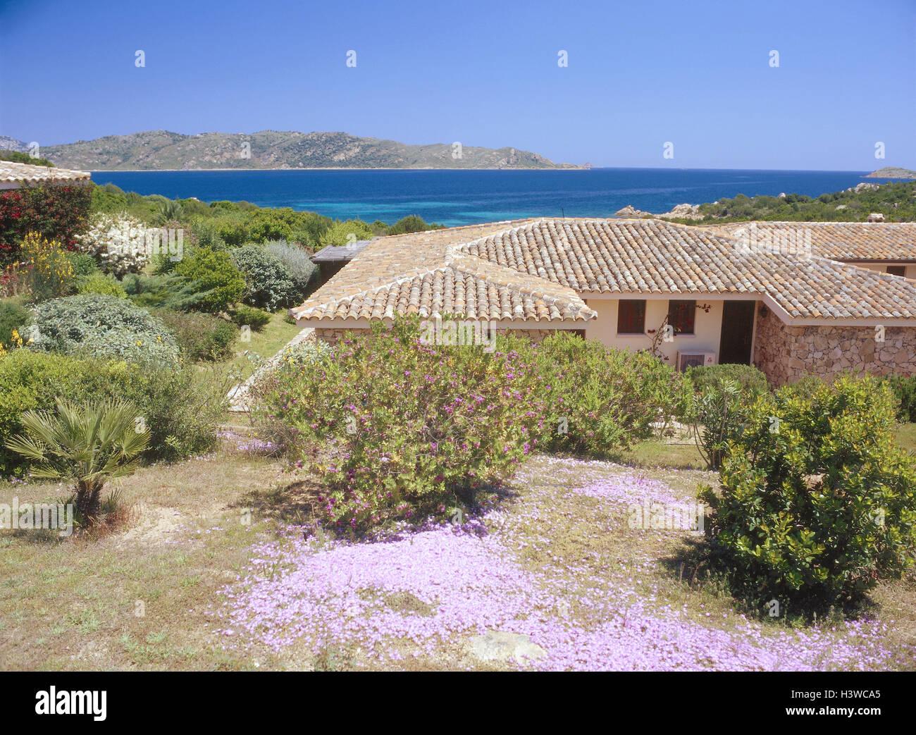 Case Stile Mediterraneo Sardegna : L italia sardegna capo coda cavallo costa casa residenziale