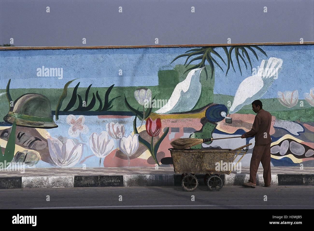Iran Cavo Bus Ares Sublime Mura Difensive Vernici Spazzatrice Lavoro Il Medio Oriente Anteriore Est Vicino Oriente Parete Pittura Pittura Murale Uomo Locali Di Carnagione Scura Lavoratore Ginestra Citta Di Pulizia Al Di