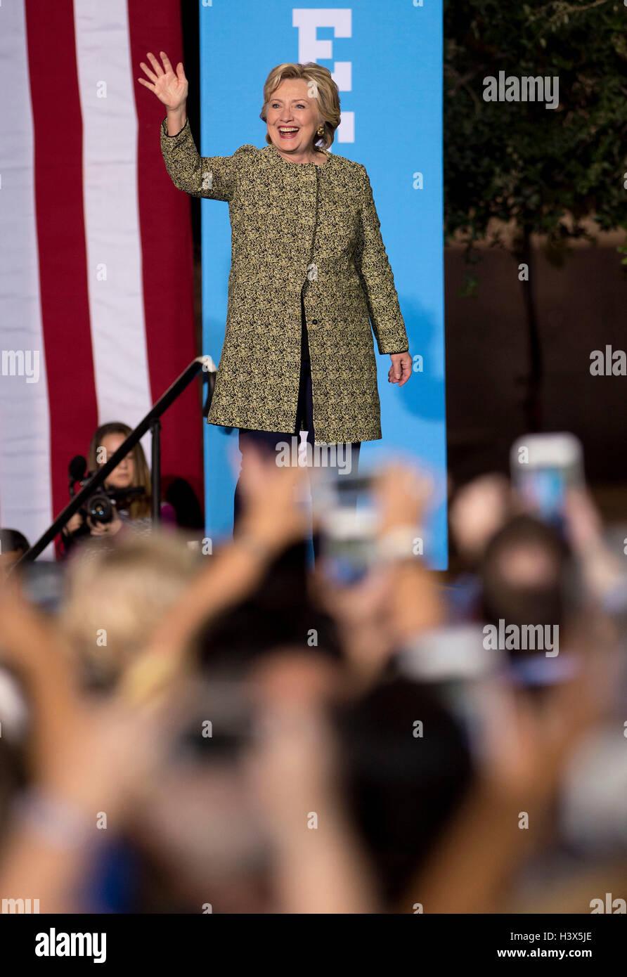 Las Vegas, Nevada, USA. Xii oct, 2016. HILLARY CLINTON campagne a un partito democratico al Rally Smith Center per Immagini Stock