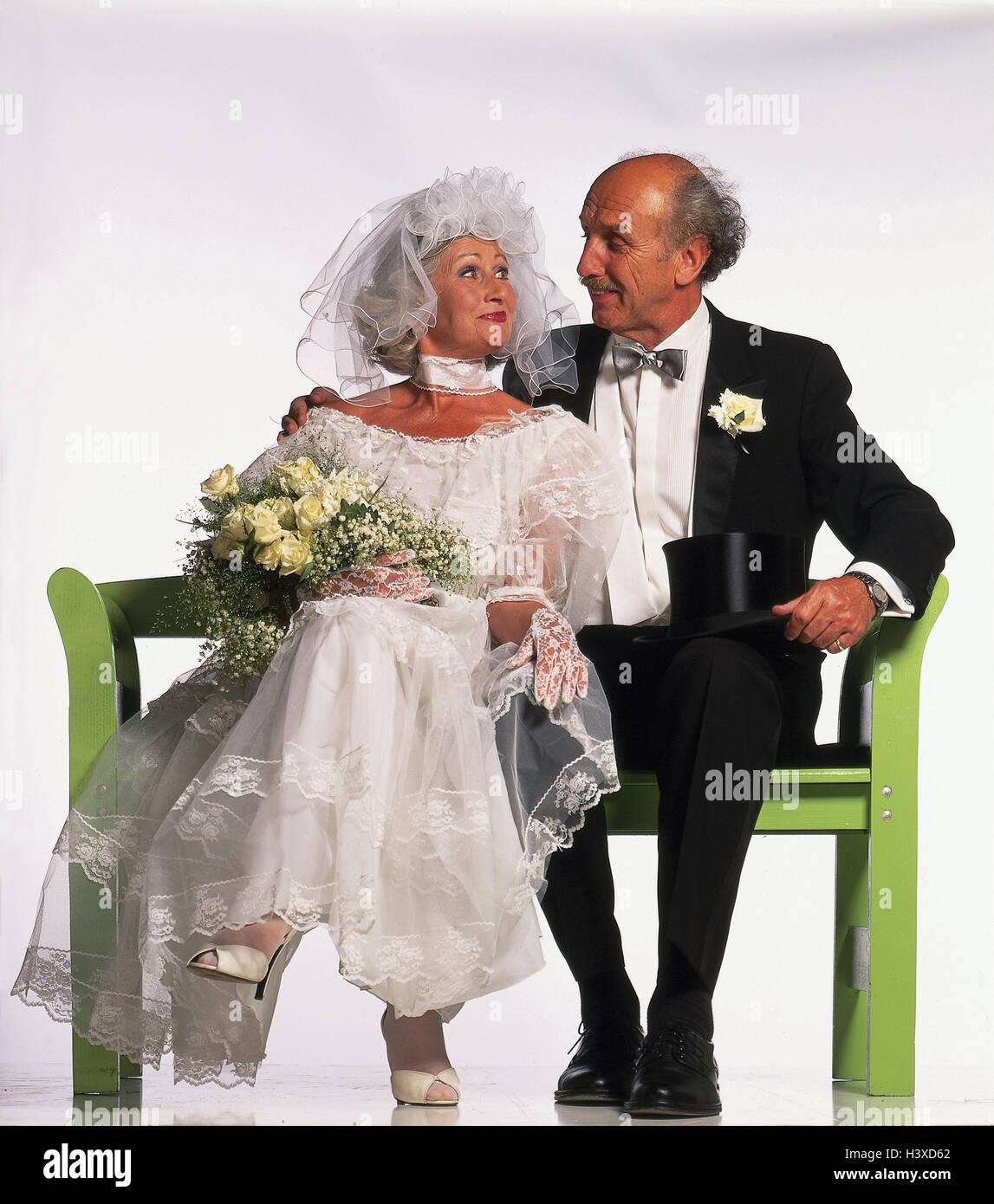 Vestito Matrimonio Uomo Con Cilindro : Sposa e lo sposo cittadini anziani banca sedersi contatto