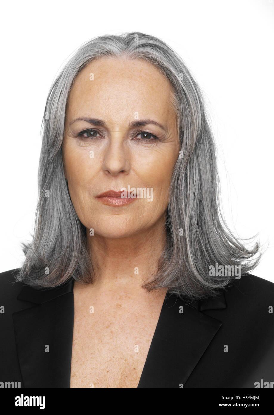 Capelli lunghi a 65 anni