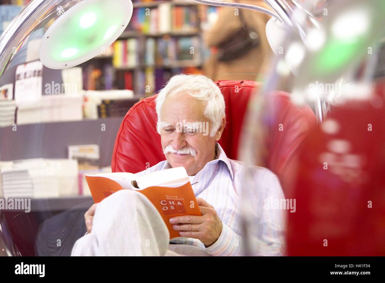 Leggere In Poltrona.Biblioteca Senior Sedersi Leggere Sfera Poltrona